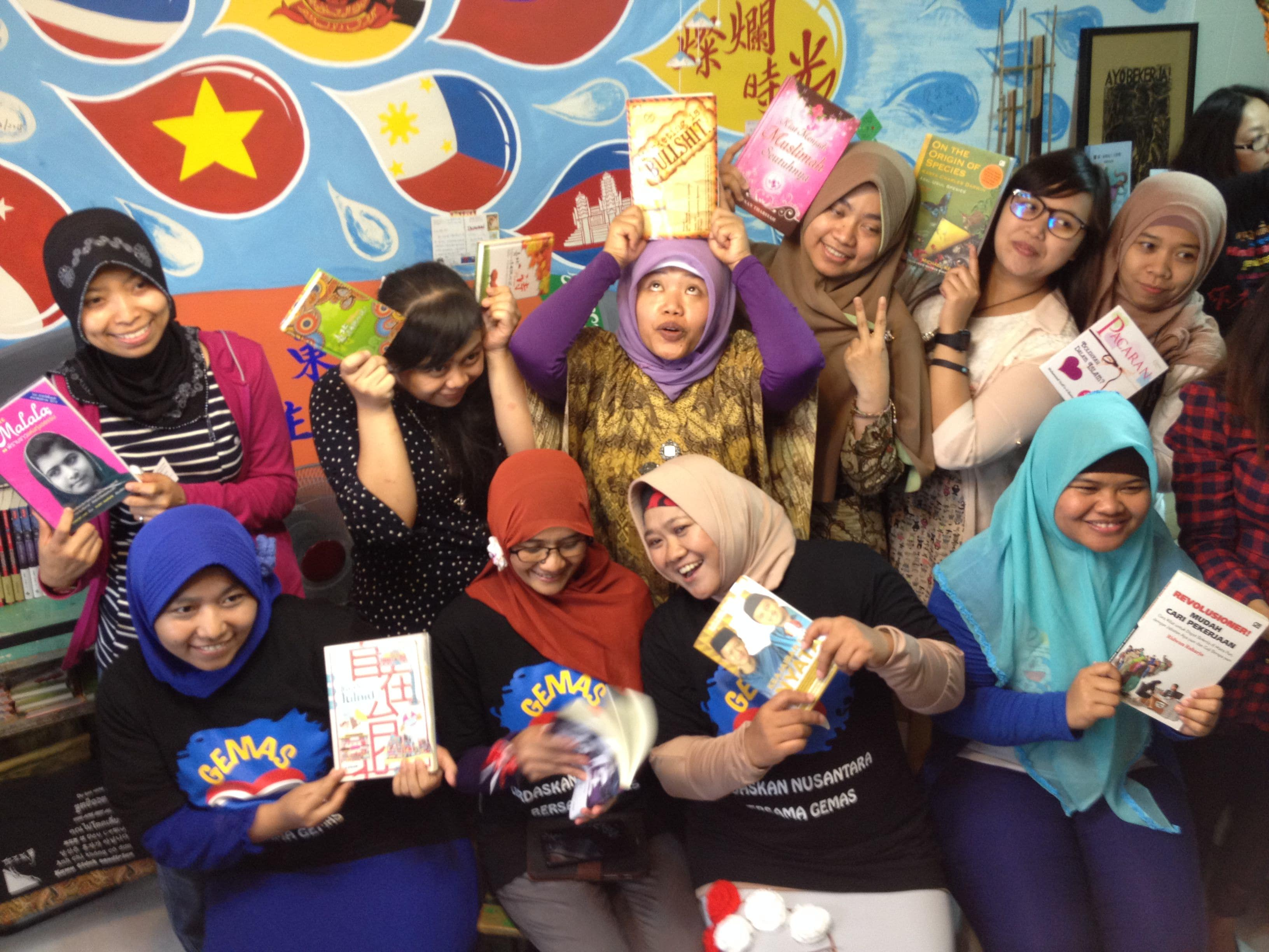 印尼朋友在書店辦活動