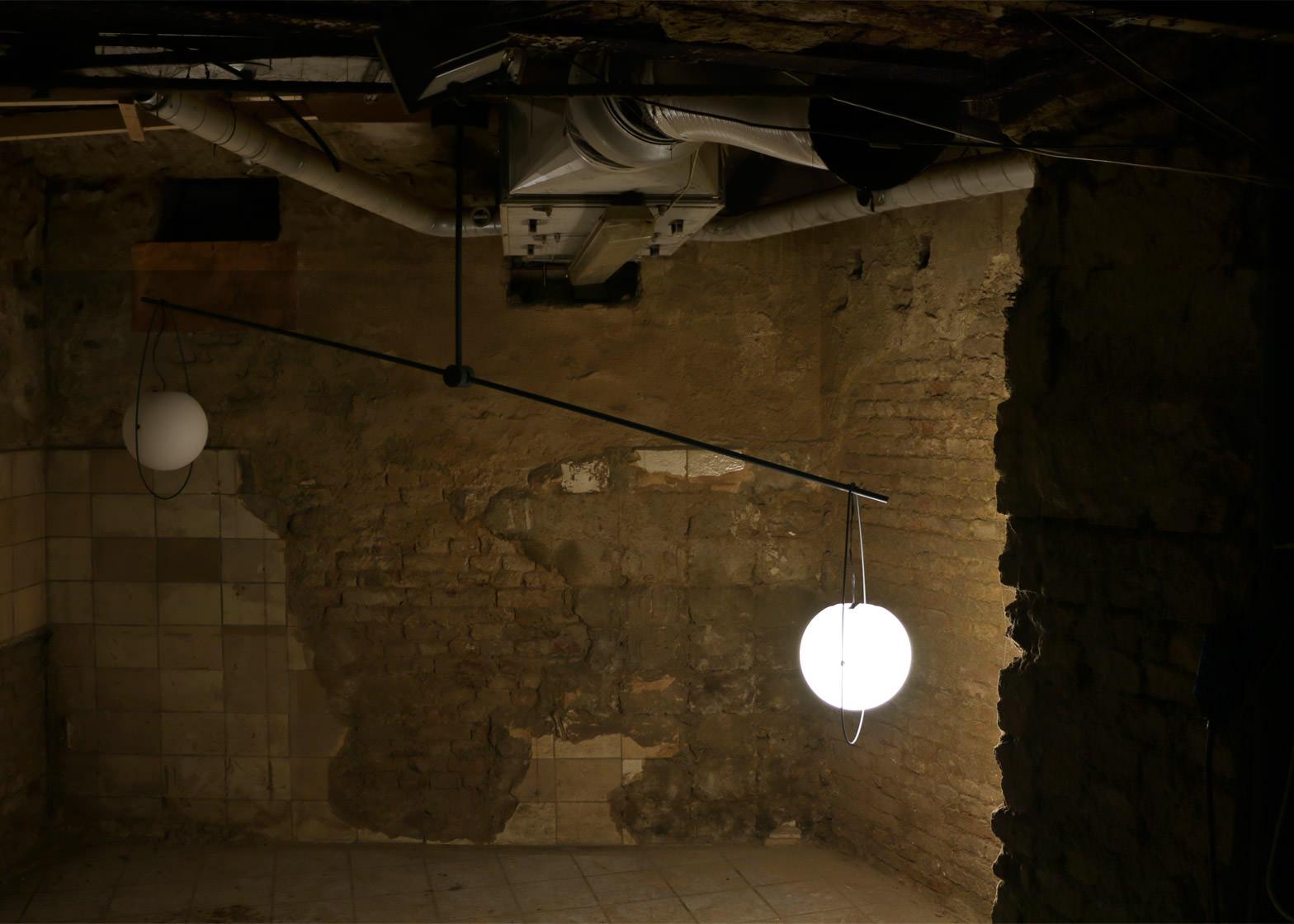equilumen-mischer-traxler-light-distribution-glas-sphere-design-lighting-motion_dezeen_1568_6