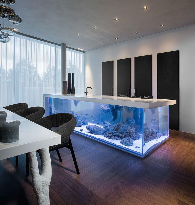 kitchen-counter-island-aquarium-ocean-keuken-robert-kolenik-3-750x788
